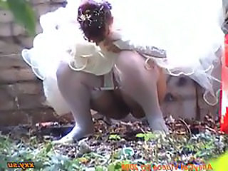 Bride Outdoor Pissing Outdoor