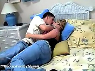 Jeans Kissing Latina Son