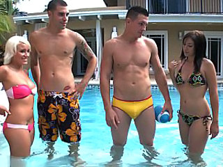 Bikini Groupsex  Pool Swingers Bikini Outdoor