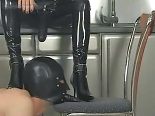 Latex Slave Strapon