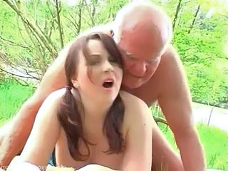 Amateur Cute Doggystyle Old and Young Outdoor Redhead Cute Amateur Grandpa Old And Young Outdoor Outdoor Amateur Amateur