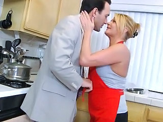 Chubby Hardcore Kissing Kitchen  Wife Kitchen Housewife Wife Milf Housewife