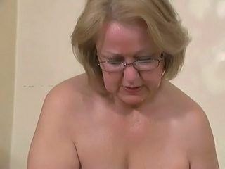 Amateur Granny Granny Young Granny Amateur Jerk Wife Young Amateur