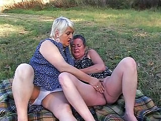 Granny Masturbating Outdoor Outdoor Granny Pussy Masturbating Outdoor