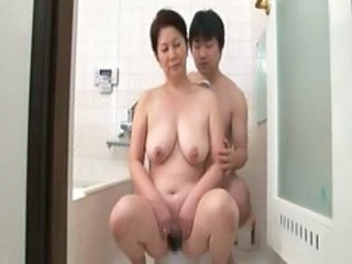 Asian Bathroom Japanese Mature Mom Old and Young  Bathroom Mom Old And Young Bathroom Mother