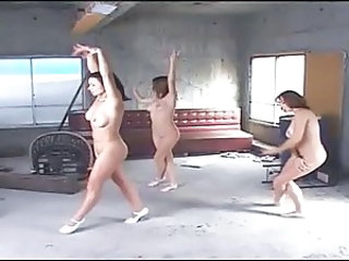 Amateur Dancing Nudist Amateur