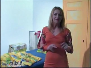 Amateur Mature Spreading Amateur