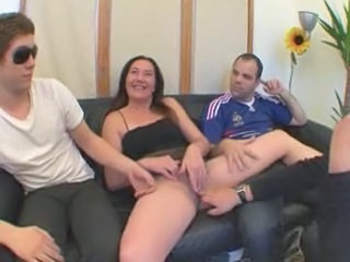 Amateur Gangbang Mature Mom Old and Young