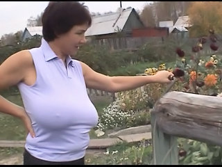 Big Tits Farm  Mom Natural Nipples Outdoor  Boobs Huge Farm