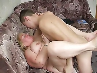 Amateur  Homemade Mature Mom Old and Young Russian Amateur