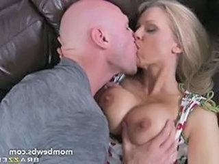 Big Tits Kissing  Pornstar
