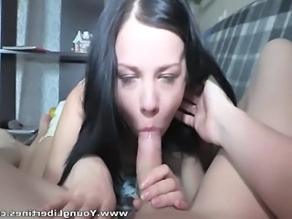 Amateur Blowjob Brunette Girlfriend Teen