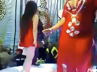 Amateur Arab Dancing Arab