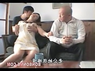 Asian Daddy Family Mom Old and Young Son Mother