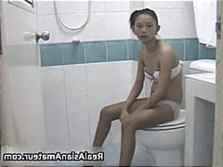 Amateur Asian Teen Toilet Perky