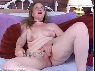 Amateur Chubby Masturbating Mature Mom  Toy Amateur