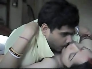 Amateur Homemade Indian Kissing