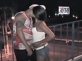 Amateur Girlfriend Kissing Latina Outdoor Public