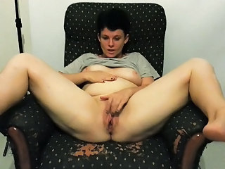 Amateur Chubby Homemade Masturbating  Mom Pussy