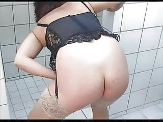 Lingerie Mature Toilet