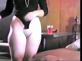 Amateur Homemade Shaved Vintage Wife