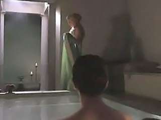 Celebrity Dress Flashing