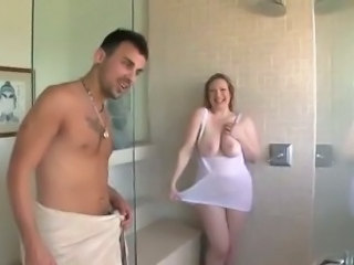 Big Tits Chubby  Natural Pornstar  Showers