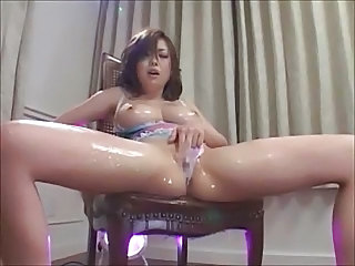 Japanese Masturbating Oiled Squirt Japanese Masturbating