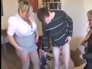 Amateur Chubby Mom Old and Young Threesome
