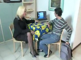 Amateur Blonde Mature Mom Old and Young