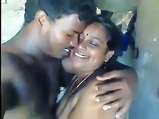 Amateur Homemade Indian Mom Old and Young Aunty