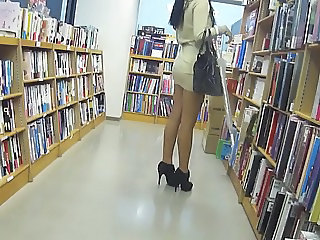 Asian Legs Public Upskirt