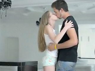 Kissing Sister Teen Giant