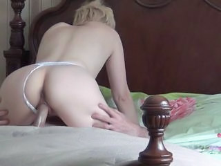 Amateur Homemade Riding Wife Public