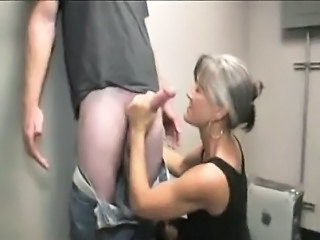 Amateur Handjob Mature Mom Old and Young Huge