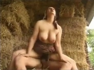 Big Tits Cute Farm Hairy Mature Mom Natural Outdoor Riding Boobs Farm