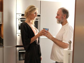 Amazing Babe Daddy Daughter Kitchen Old and Young