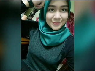 Teen Cute Arab Amateur Indonesian