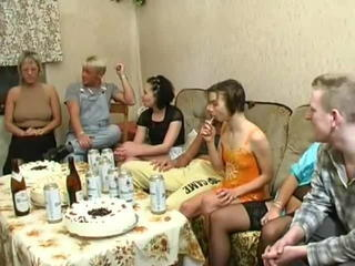 Family Funny Groupsex Old and Young Party