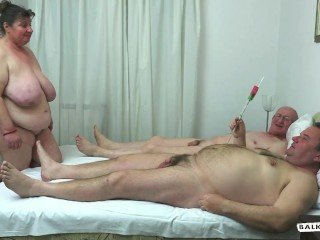 Amateur Mature Older Threesome Wife