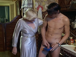 Family Mom Vintage Amazing Mature Old and Young